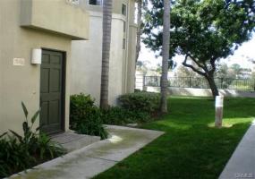 26489 Portola, Mission VIejo, California 92692, 2 Bedrooms Bedrooms, ,2 BathroomsBathrooms,Condo,Leased,Portola,1405